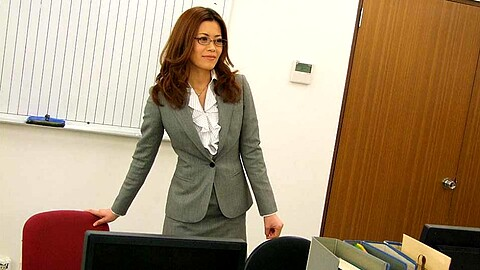Tachiki Yui Office Lady